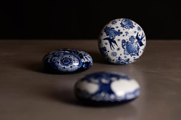 Memento Blue Pebbles